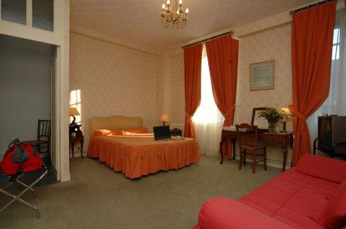 Hotel saumur 30 h tels r servez sans interm diaire for Hotel a prix bas